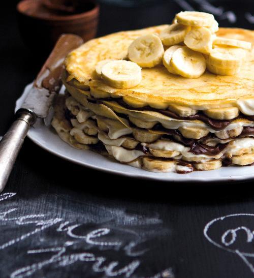 Palačinkový dort s banány