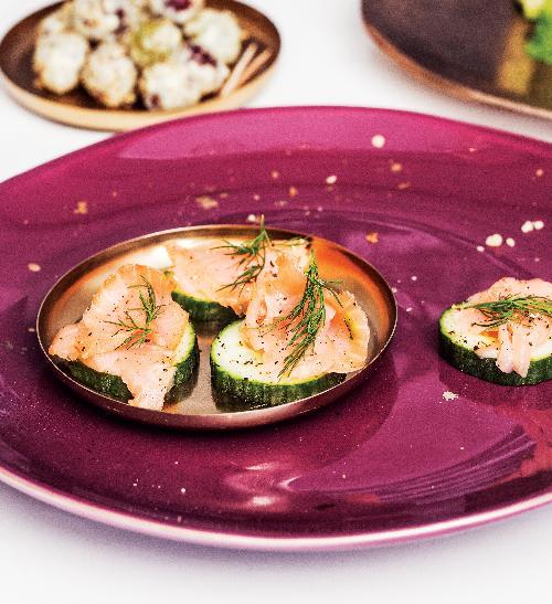 Okurkové kanapky s lososem a koprem