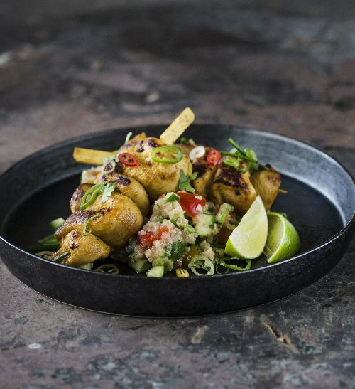 Kuřecí satay s quinoa salátem