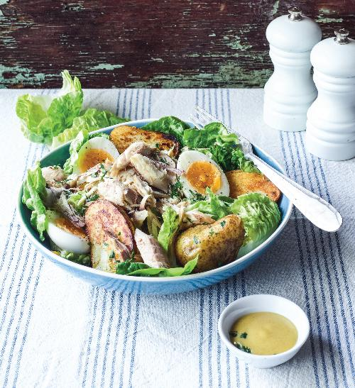 Letní salát s uzenou makrelou