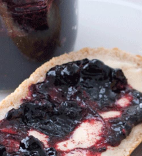 Domácí borůvkový džem
