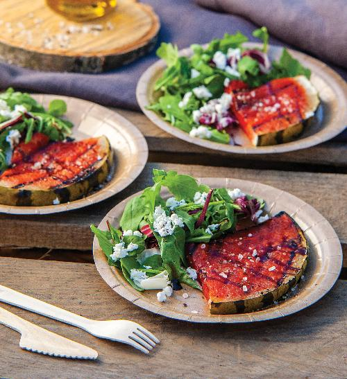 Opálený meloun s balkánským salátem