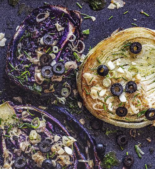 Zelné plátky s olivovou tapenádou