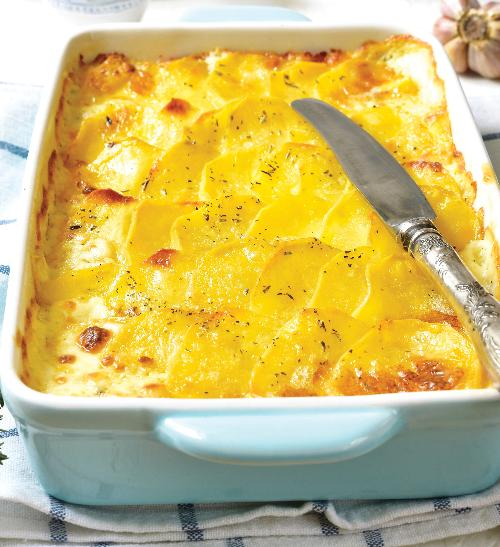 Zapečené brambory s krémovým sýrem brie chateaux de france