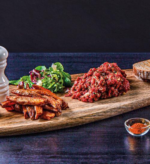 Tatarský biftek po francouzsku s domácími hranolky