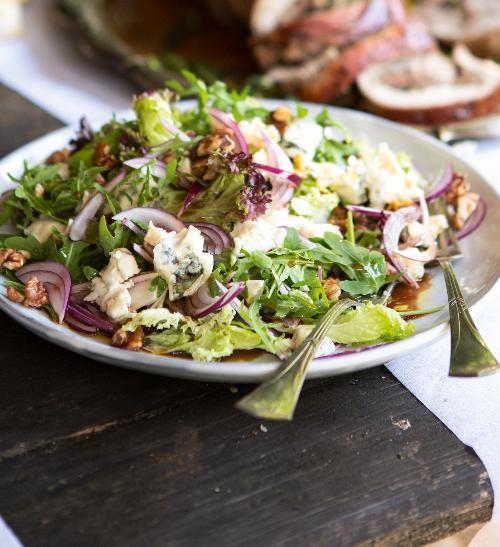 Rukolový salát s gorgonzolou a medovým dresinkem