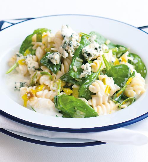 Těstoviny s pórkem a špenátem