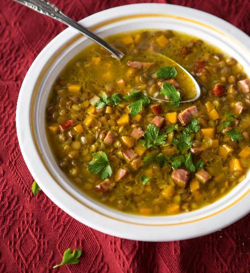 Čočková polévka s klobáskou