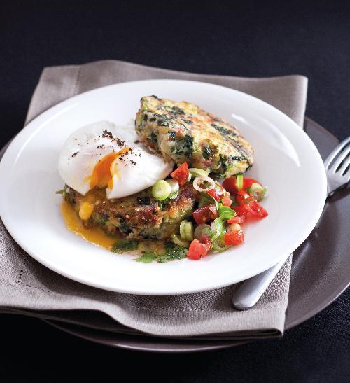 Kapustové karbanátky s pošírovanými vejci