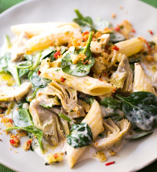 Těstoviny s artyčoky a špenátem