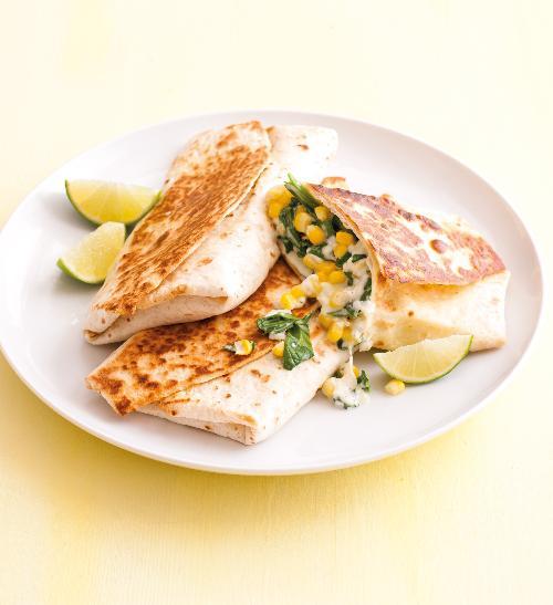 Tortilla se špenátem a kukuřicí