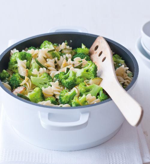 Těstoviny s brokolicí a cuketou