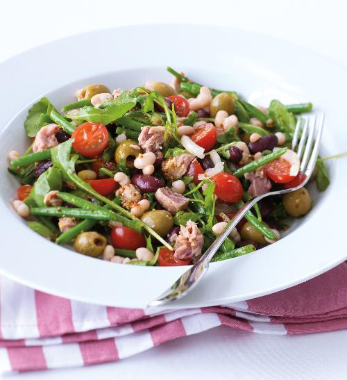 Tuňákový salát s fazolkami