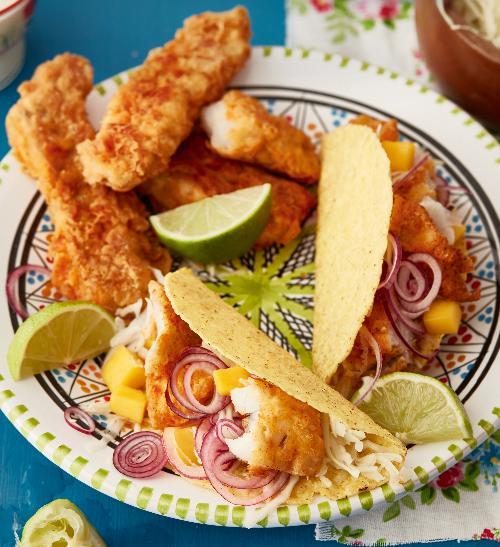 Tacos s obalovanou rybou a mangovou salsou