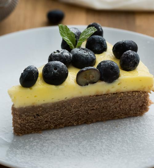 Borůvkový koláč s vanilkovým pudinkem