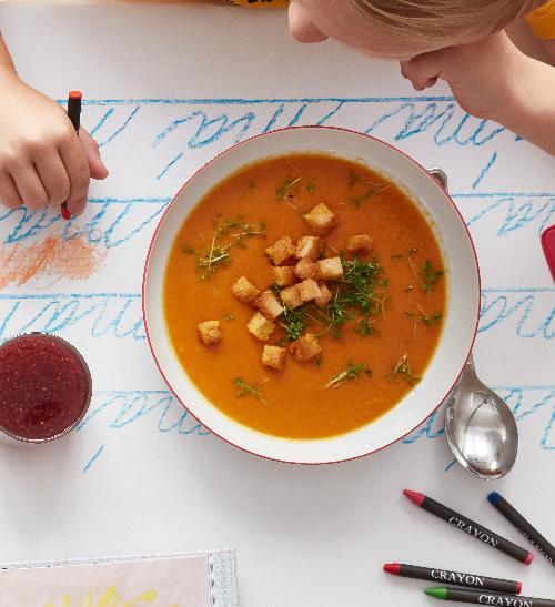 Mrkvovo–rajčatová polévka s kokosovým mlékem