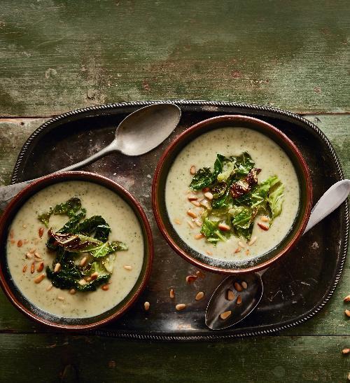 Polévka z pečeného květáku a kapusty