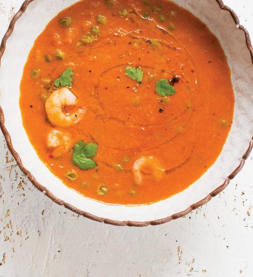 Rajčatová polévka skokosovým mlékem akrevetami