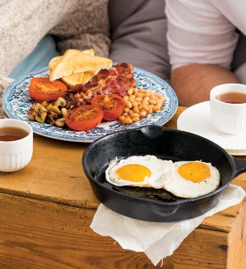 Klasická anglická snídaně se slaninou