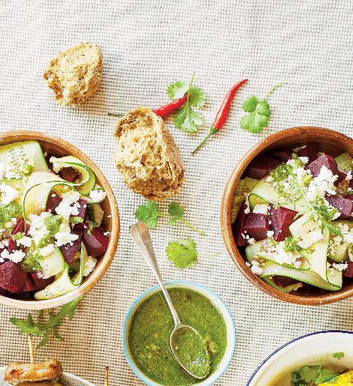 Okurkový salát sřepou arukolovým pestem
