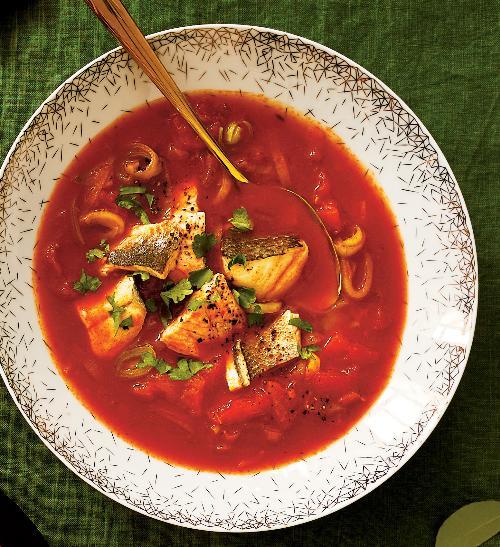 Hustá rybí polévka ze tří druhů ryb