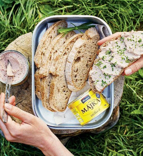 Domácí žitný chléb sMájkou