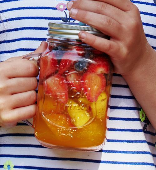 Ovocná sangria se sirupem Relax 33% ovocné šťávy